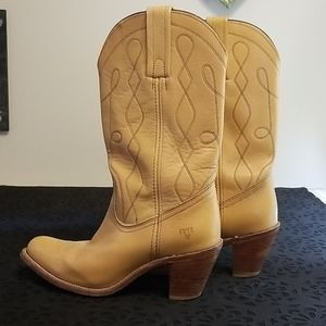 Vintage Frye Mustard Boots, see size definition